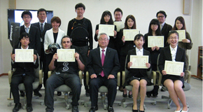 平成27年度 課外活動奨励者表彰式が<br /> 守口・枚方の両キャンパスで開催されました。