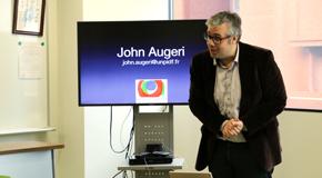ジョン・オージェリ(John Augeri)氏が1号館見学に来学されました
